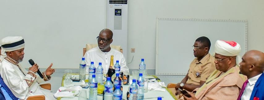 Obaseki breaks fast with Otaru of Auchi, urges Edo residents on peaceful co-existence