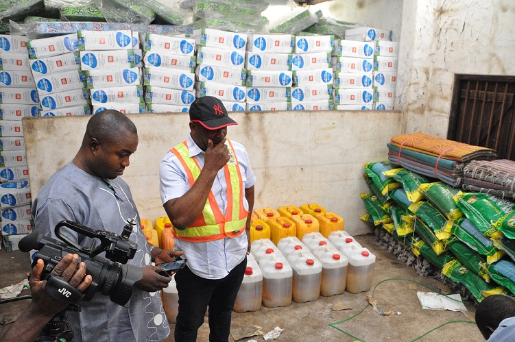 Edo govt distributes relief materials to flood victims in Orhionmwon LGA