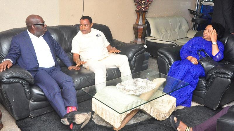 Obaseki condoles with Felix Edosomwan over mother's demise