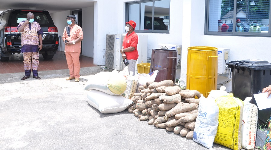Coronavirus: Edo Poly, secondary school principals donate hand sanitisers, relief items to govt